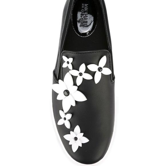 26b1cbcb5124 Michael Kors Leather Lola Flower Slip Ons. M 5a8c93d8d39ca21960802fc8